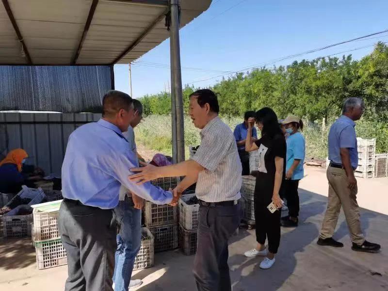 天津食品集团工会开展慰问农民工活动